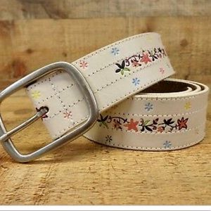 Aeropostale white leather floral panted belt large